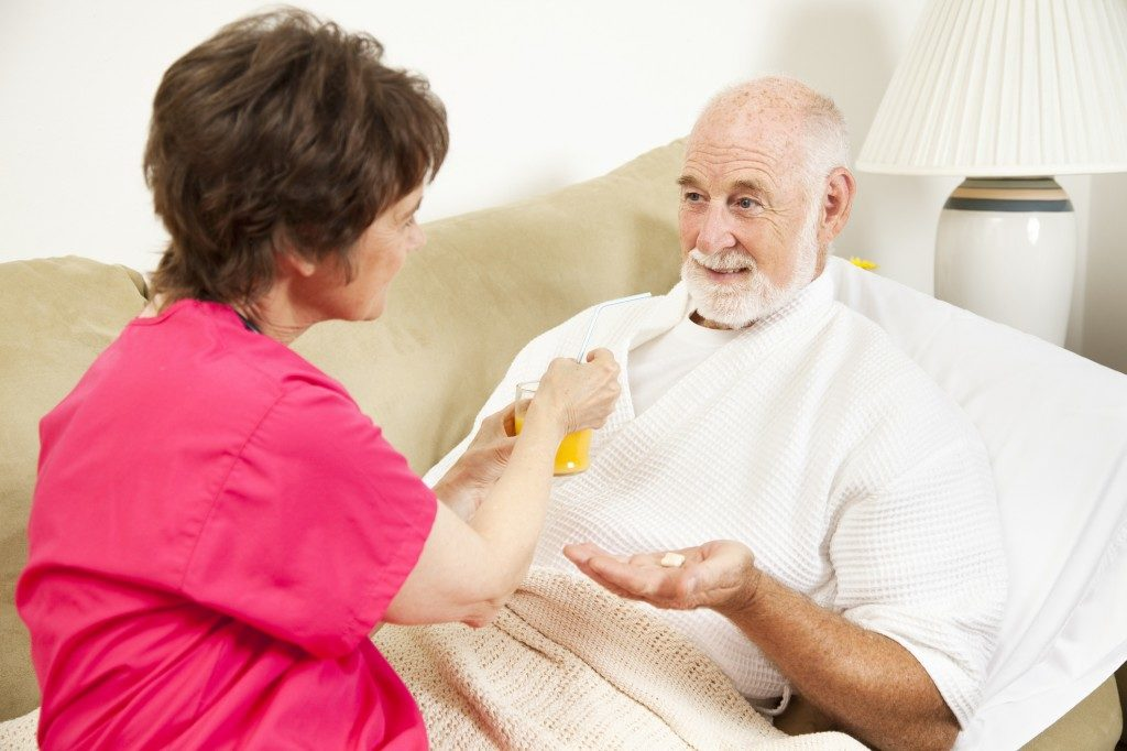 How to Care for a Parent With Lewy Body Dementia